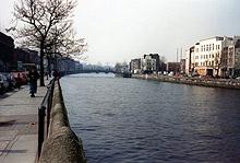 HALF PENNY BRIDGE EM DUBLIN - FOTO; TIARA CALON