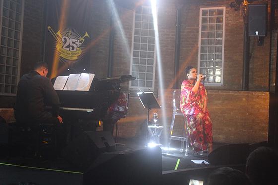 MARIA RITA NO BOURBON STREET MUSIC CLUB - FOTO BY REVISTA ELETRICIDADE (VALÉRIA MARAVIGLIA)