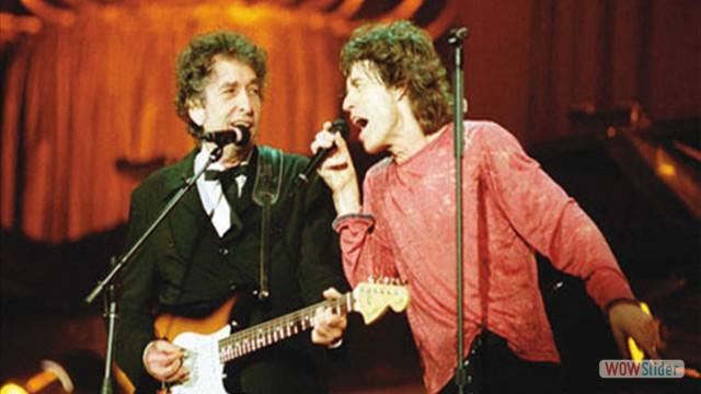 Na turnê de Bridges to Babylon, em 1998, dividindo o palco com Bob Dylan