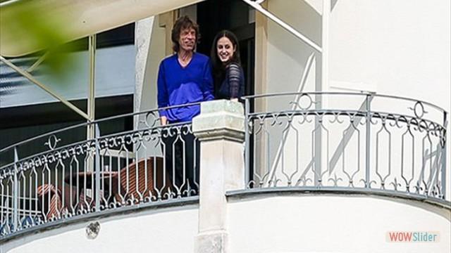 Com a namorada Melanie Hamrick, em Zurique, na Suiça, recentemente, ela anunciou estar esperando o oitavo filho do músico