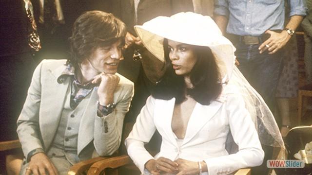 Em seu casamento em Saint Tropez, com a modelo Bianca Perez-Mora Macias, em 1971