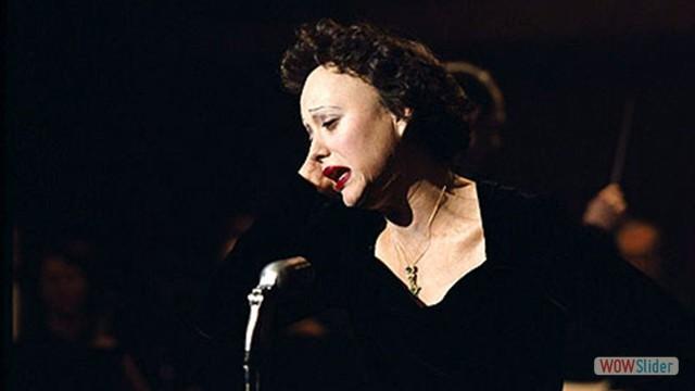 9.Piaf: Um Hino ao Amor (2007)