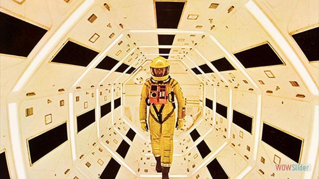 6.2001: Uma Odisséia no Espaço (2001: A Space Odyssey, 1968)